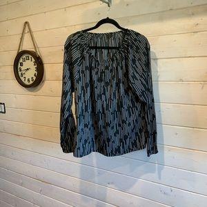 4/$30 Soyaconcept Black & White Long Sleeve Blouse